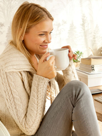 woman-drinking-morning-coffee-lgn