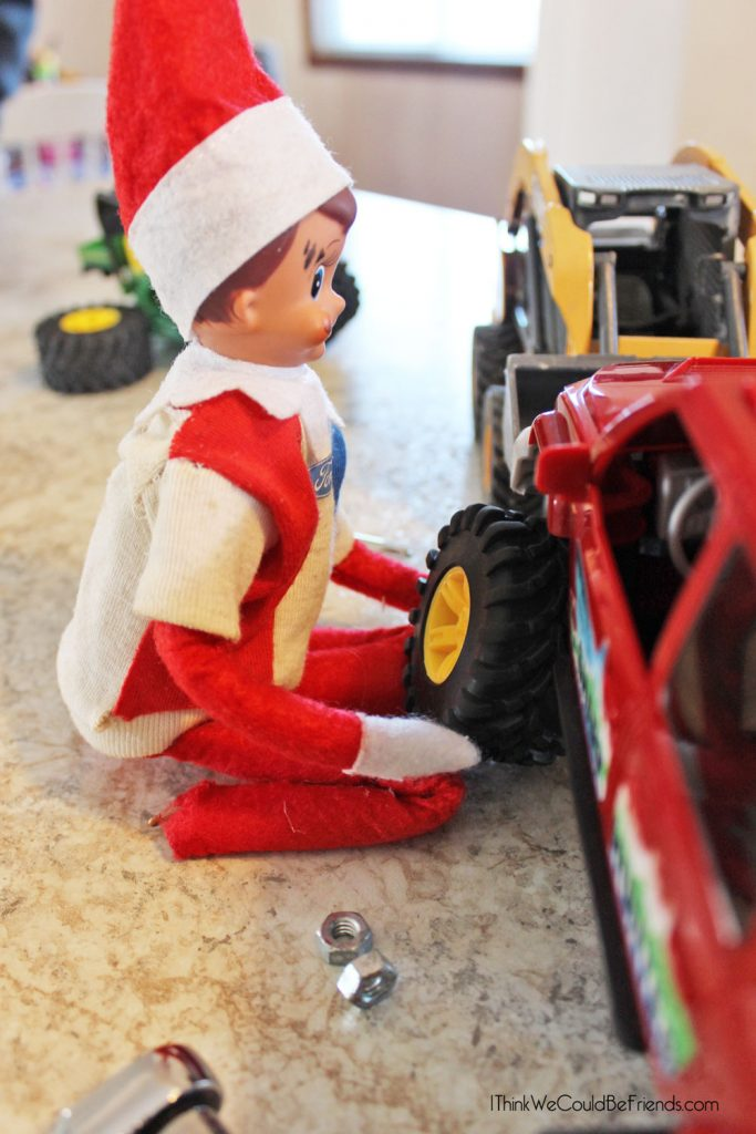 New! 5 Funny Redneck Elf on the Shelf Ideas! These are awesome! #ElfontheShelf #Funny #DIY #Ideas #Easy #Quick #Redneck #Boys