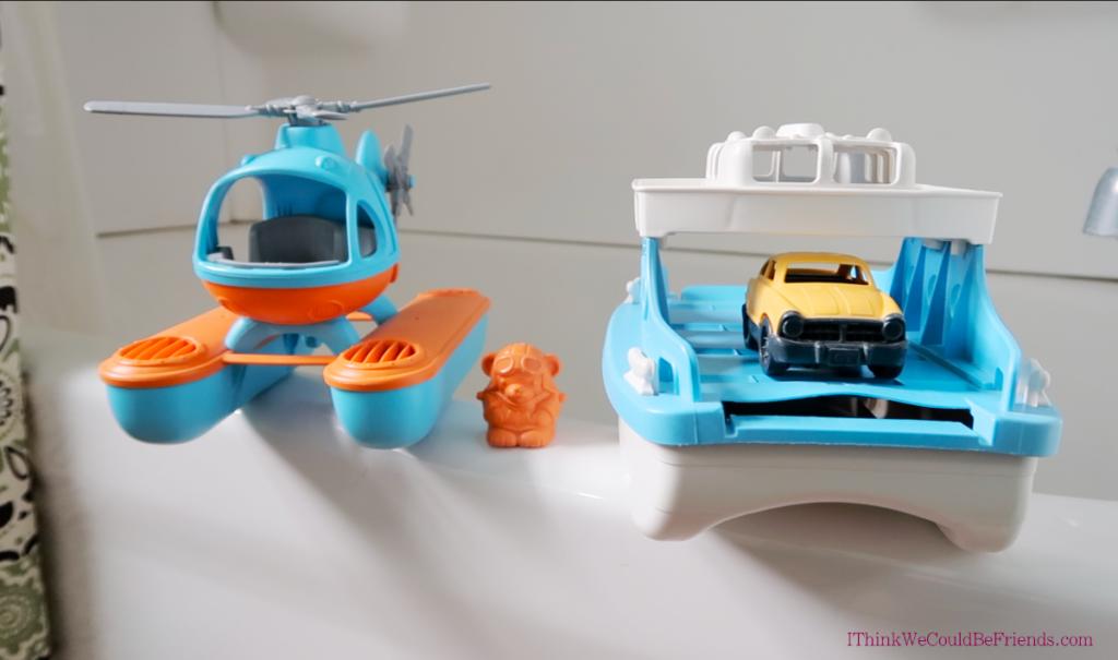 minimalist bathroom tub toys