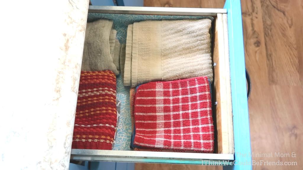 minimalist kitchen towels